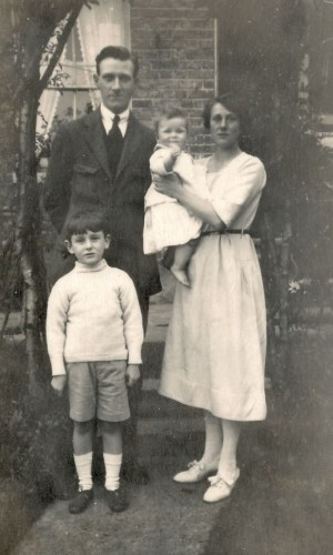 Charles and Edith with John and Mary, 1922