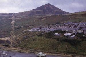 Tylorstown tip and tramway from Wattstown, 1971